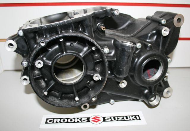 Nos 11300-40820 Genuine Suzuki Rm400 Crankcase Set