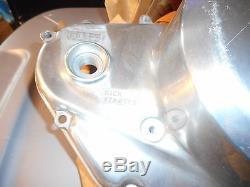 NOS Suzuki 1972-1977 GT550 GT 550 OEM Engine Clutch Cover 11340-34600