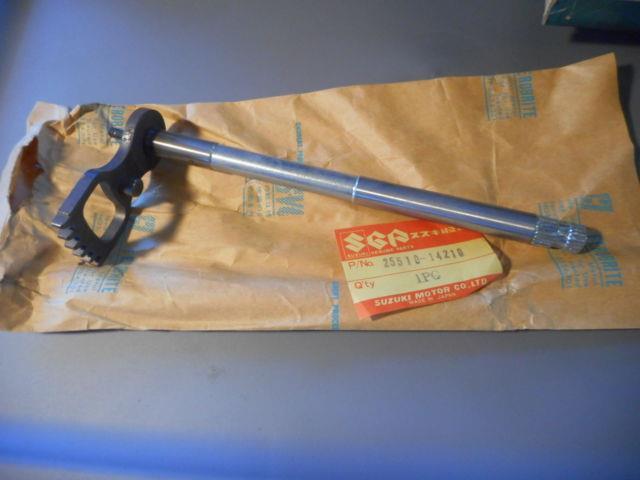 Nos Suzuki 1981-1982 Rm465 Rm 465 Oem Gear Shifting Shaft 25510-14210