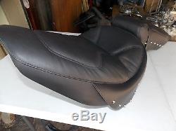 NOS Suzuki OEM Full Studded Leather Gel Seat 98-04 VL1500 Intruder 99950-62174
