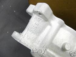 Suzuki GSX-R750 Cylinder 1996-1999 NOS GSXR750 New CYLINDER BLOCK 11211-33E00