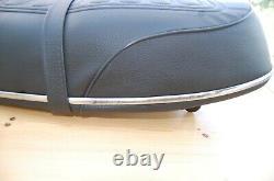 Suzuki GT250 SEAT REFURBISHED, LIKE NOS