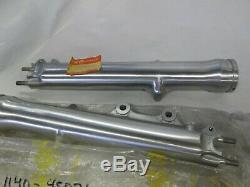 Suzuki Gs550 Gs750 Nos Fork Leg Set 1978-1979 51130-45031 51140-45031
