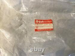 Suzuki RG500 NOS Cover Center #94488-20a00-23z NEW