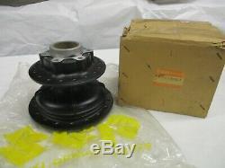 Suzuki RM100 RM125 NOS REAR WHEEL HUB 1975-1976 64110-38001