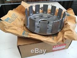 Suzuki RM250 1989 -93 Clutch Basket 21200-28C32 21200-28E12 NOS