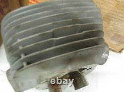 Suzuki T250 Nos Cylinder 1969 11210-18100